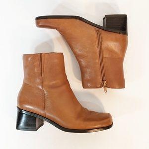 Madeline Stuart Ankle Boots Size 6M Zipper Side